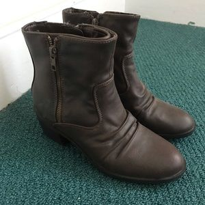 Life Stride ankle boots booties brown